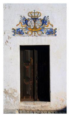 Alvito OLd Door I - Porta da Sacristia e/ou Sala da Irmandade da Igreja da Misericórdia, Alvito - Alentejo / Portugal by FilipaGrilo