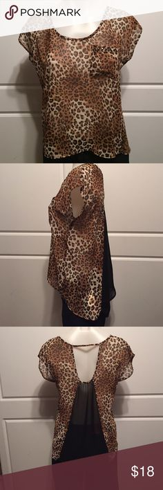 🐆Leopard Print Top This cute top has one pocket. It's a high-low top (see side picture). It's pre-owned but in great condition. Charlotte Russe Tops Blouses