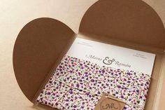 ¿Y si haces tus invitaciones de boda a partir de tela? En este post tan inspirador nos dicen cómo