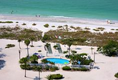 This southern Florida hotel is on 10 acres of Sanibel Island. It has 550 feet of private beach, an outdoor pool, tennis courts, and an on-site restaurant. Island Inn, Florida Holiday, Valentines Day Holiday, Florida Adventures, Florida Hotels, Romantic Destinations, Sanibel Island, Outdoor Pool, Travel Usa