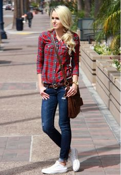 Discover and organize outfit ideas for your clothes. Decide your daily outfit with your wardrobe clothes, and discover the most inspiring personal style Plaid Shirt Outfits, Converse Outfits, Checked Shirt Outfit, Cute Fall Outfits, Casual Outfits, Fashion Outfits, Casual Fall, Casual Chic, Feminine Fashion
