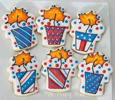 Patriotic 4th of July cookies by The Pink Mixing Bowl!