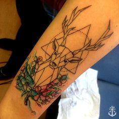 Deer tattoo, geometric tattoo, watercolor tattoo/ Tatuaje ciervo, tatuaje venado by Felipe A. Tapia