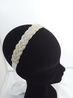 Wedding Headband... If only they'd stay on my head, know what I mean @Elise Heick ?