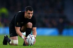 All Blacks 20 - great kicking game by Carter. first five-eighth Dan Carter lines up a shot at goal in the Rugby World Cup semifinal against South Africa Dan Carter, All Blacks Rugby, Rugby World Cup, Rugby Players, Sport, Lineup, Role Models, Victorious, New Zealand