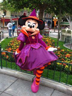 Mickey Mouse Halloween Costume, Halloween Time At Disneyland, Halloween Party Costumes, Disney Halloween, Scary Halloween, Mickey Mouse Toys, Disney Mouse, Disney Dream, Disney Fun