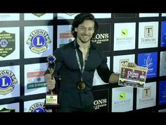 Tiger Shroff at Lions Gold Awards White Smile, Tiger Shroff, White Leaf, Dance Moves, My Crush, Lions, Awards, Interview, Sexy