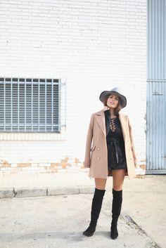 jessie chanes - lace up black top camel coat fox leather black shirt - 11