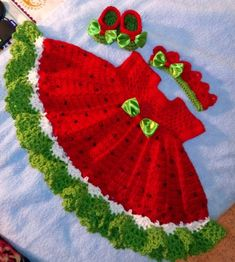 Crochet Baby Girl Crochet watermelon dress with crown and shoes this one is Beau Crochet, Crochet Baby Blanket Beginner, Crochet Baby Dress Pattern, Baby Dress Patterns, Baby Clothes Patterns, Baby Girl Crochet, Crochet Baby Clothes, Crochet For Kids, Baby Knitting