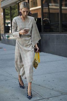Street style from New York Fashion Week spring/summer '18 - Vogue Australia #newyorkfashion,