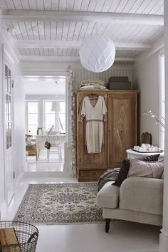 Country-style furnishings - country-style furniture and rustic deco ideas - - decoration maison - Boho Living Room, Home And Living, Living Spaces, Small Living, Living Area, Country Style Furniture, Interior Minimalista, Home And Deco, Interior Exterior