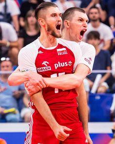 Ten weekend był bardzo trudny emocjonalnie... dużo się działo nie tylko na boisku😔 Tym bardziej cieszą trzy zwycięstwa po 3:2, a to… Volleyball Team, Kaito, Poland, Passion, Sports, Hs Sports, Sport