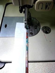 박음질 하면서 이런 경험들 있으시나요? 원단을 박을 때 밀림현상이 발생해서 원단이 뒤틀렸던 적. 가방끈... Sewing Hacks, Hand Sewing, Diy And Crafts, Sewing Patterns, Quilts, Tips, Satchel Handbags, Purses, Dressmaking