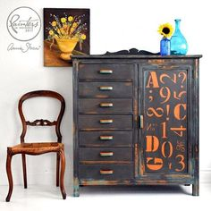 My Painter in Residence Ildiko Horvath in Canada painted this dresser in a warehouse, industrial style. Ildiko used a mix of Graphite with a little Honfleur to create that dark chocolate brown and then contrasted it with a teal made of Florence and Provence and that bold Barcelona Orange. I love the detail of the typography on the door as it adds such an urban detail to the piece.