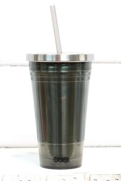 The perfect go-to travel mug is here! Acrylic and stainless steel mug with lid and straw. Grey Smoke in color.