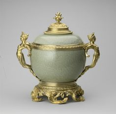 Jingdezhen, Jiangxi Province, China - Pair of vases and covers, c.1700-20; French mount: early 18th and 19th century