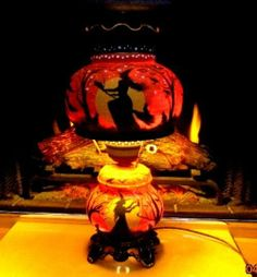 VINTAGE HALLOWEEN WITCHES CATS TURN KEY 3~*WAY* CLAW* FOOTED HURRICANE LAMP