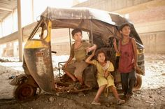 Slumdog Millionaire- This movie is not only a visually stunning one, but one that pulls at your emotions whilst an intriguing story is told through the eyes of a poverty-stricken eighteen year old boy. This film, overall is purely entertaining! Music Film, Film Movie, What Is Poverty, Pier Paolo Pasolini, Movies Worth Watching, Child Actors, Slums, Love Movie, Great Movies