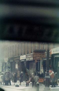 Saul Leiter, bus stop, 1950s