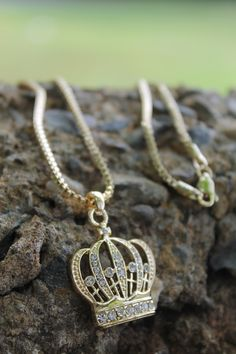 """Gorgeous necklace - NEW ICED OUT KING CROWN PENDANT & 2mm/24"""" BOX CHAIN HIP HOP NECKLACE"""