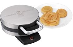 Mickey Mouse Waffle Maker image from www.ultraportabletech.com OMG! I want I want I want!!! Thanks for sending this Nikki❤