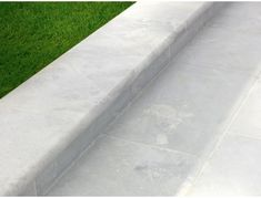 Buy Stonemarket Lorento Garden Marble Steps from Turnbull, the perfect premium finish for your garden paving. Paving Slabs, Paving Stones, Garden Paving, Garden Pool, London Garden, Back Gardens, Natural Stones, Marble, Sidewalk