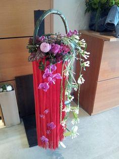 Flower Arrangement, Ladder Decor, Home Decor, Floral Arrangements, Decoration Home, Room Decor, Flower Arrangements, Home Interior Design, Floral Arrangement
