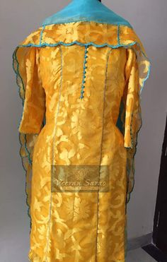 Simple Indian Suits, Ladies Suits Indian, Embroidery Suits Punjabi, Embroidery Suits Design, Ethnic Outfits, Fashion Outfits, Designer Punjabi Suits Patiala, Trendy Suits, Dress Design Sketches
