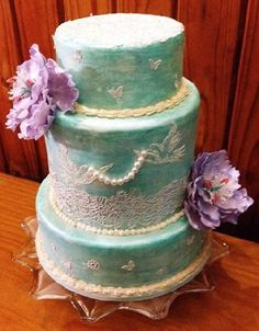 Green Marbled Wedding Cake with Lilac Peonies and lace
