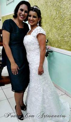 vestido+de+noiva+em+croch%C3%AA+irland%C3%AAs+FB_IMG_1454161099049a.jpg (443×754)