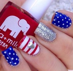 of July Nails! The Very Best Red, White and Blue Nails to Inspire You This Holiday! Fourth of July Nails and Patriotic Nails for your Fingers and Toes! Flag Nails, Patriotic Nails, Get Nails, Fancy Nails, Sparkly Nails, 4th Of July Nails, July 4th Nails Designs, Manicure E Pedicure, Manicure Ideas