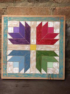 Artículos similares a Tulip pattern quilt block set of 2 en Etsy Barn Quilt Designs, Barn Quilt Patterns, Pattern Blocks, Quilting Designs, Quilting Patterns, Hand Quilting, Foundation Patchwork, Painted Barn Quilts, Barn Signs