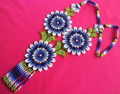 Huichol Beaded Flower Necklace van Aramara op Etsy