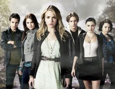 The Secret Circle Cast Signed Autographed Photo. An Original Signed Autograph picture by the cast of The Secret Circle. Movies And Series, Movies And Tv Shows, Tv Series, Best Tv Shows, Favorite Tv Shows, Favorite Things, Lying Game, Britt Robertson, Eric Bana