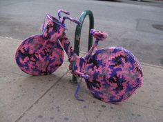 Olek - Street Artist that uses Yarn... dying for one of these bikes if anyone has one...