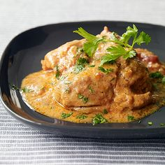 Slow Cooker Chicken Tikka Masala from Weight Watchers. One of my favorite and easiest slow cooker recipes! Healthy Recipes, Ww Recipes, Slow Cooker Recipes, Indian Food Recipes, Crockpot Recipes, Chicken Recipes, Cooking Recipes, Recipies, Healthy Foods