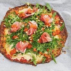 Perfekt, til hvis du er på keto og lchf men har lyst til pizza. Squash Pizza, Gratin Dish, Eggplant Recipes, 20 Min, Frisk, Vegetable Pizza, Food Inspiration, Food Print, Pesto