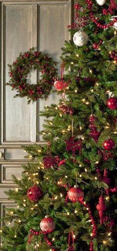 "christmas4u: "" http://christmas4u.tumblr.com/ http://midwinter-dream.tumblr.com/ """