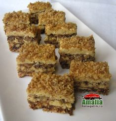 Prajitura Faur Hungarian Cake, Hungarian Recipes, My Recipes, Cookie Recipes, Dessert Recipes, Poppy Cake, Romanian Food, Food Cakes, Sweet Desserts