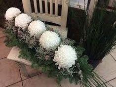 Znalezione obrazy dla zapytania kompozycje na cmentarz Grave Decorations, Funeral Flowers, Ikebana, Floral Arrangements, Diy And Crafts, Christmas Wreaths, Floral Wreath, Bouquet, Holiday Decor