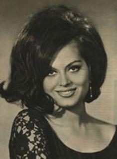 the ultimate türkan Actress Pics, Best Actress, Cinema Actress, Turkish Beauty, Female Stars, Retro Hairstyles, Turkish Actors, Big Hair, Actors & Actresses