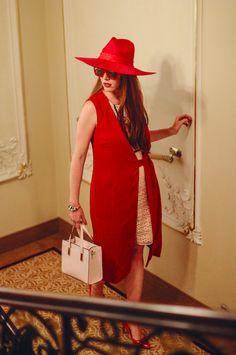 Vest, dress/ F&F, hat/TONAK, glasses/Fokus optik, shoes, purse/F&F