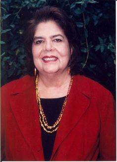 Wilma Mankiller - USA - 1985: Mankiller was the first female Chief of the Cherokee Nation. In 1983, Mankiller was elected Deputy Chief of the Cherokee Nation. In 1985, the Chief resigned and Mankiller succeeded him, thus becoming the first woman to hold that position. She was elected in her own campaign in 1987 and re-elected again in 1991 with 83% of the vote - a landslide victory. #womens #history #powerful #indigenous #women in #politics
