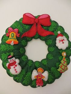 Large Vintage Puffy Felt Christmas Wreath with Beaded Sequin Ormanents. Bell, Angel, Snowman, Angel, Tree, Santa. Retro Holiday Decoration