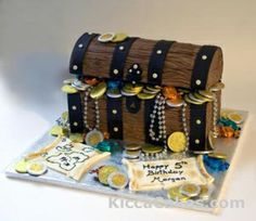 Google Image Result for http://www.kiccacakes.com/Images/about/300/Pirate_treasure_chest_cake.jpg