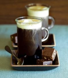 Coffee makes it possible to get out of bed, but chocolate makes it worthwhile. So get your mocha coffee & be happy! Café Mocha, Mocha Coffee, Hot Coffee, Coffee Break, Coffee Cafe, Morning Coffee, Spicy Drinks, Thanksgiving Cocktails, Best Espresso Machine