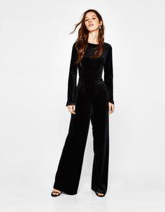 b24918e4a26 Bershka United States - Long velvet jumpsuit Velvet Jumpsuit