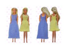 Front and back images of new Barbie dress pattern Samaritan's Purse, Operation Christmas Child, Barbie Dress, Knitted Dolls, Knits, Charity, Knitting Patterns, Projects To Try, Summer Dresses