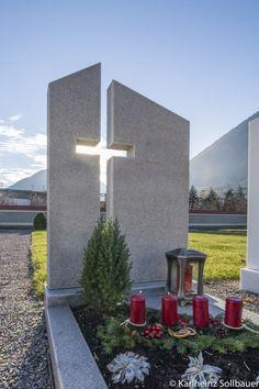 Einzelgrab mit ausgefrästem Kreuz in Granit