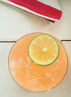 Non-alcoholic summer drink: Virgin Paloma (grapefruit juice, lime juice, agave, sparkling water)